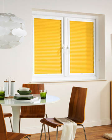Window Wizz Pearl Vanilla Pleated Blinds