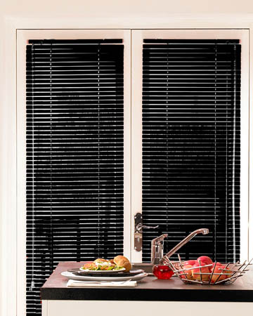 Shiny Black Aluminium Venetian Blinds