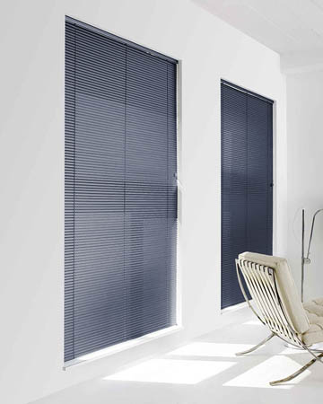 Pungent Tufts Blue Aluminium Venetian Blinds